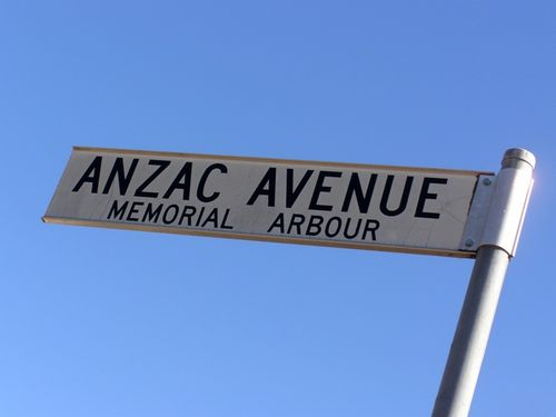 Anzac Avenue Street Sign : 11-August-2014