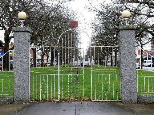 Agnes Black Memorial Gates : 02-August-2011