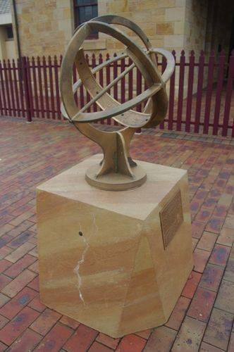 Anglo Australian Telescope Sundial : July 2014