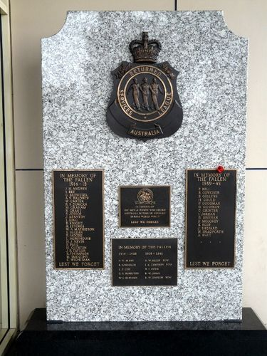 Barooga War Memorial : 08-August-2011