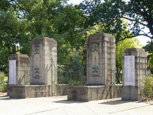 Blayney War Memorial : 25-03-2014