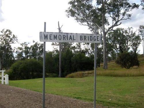 Memorial Bridge Sign : 27-05-2009