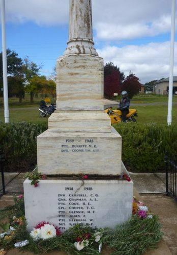 Bungonia War Memorial : 26-April-2011