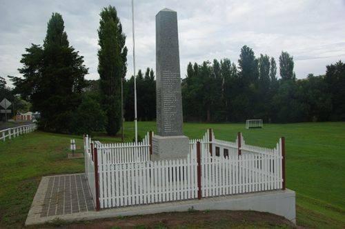 Candelo War Memorial : December 2013