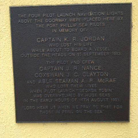 Sea Pilots & Crew Plaque : December 2013