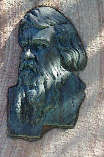 Sir Henry Parkes Sculpture : December 2013