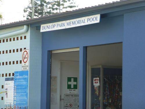 Dunlop Park Memorial Pool : 27-05-2014