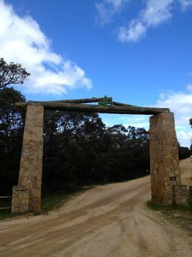 Hurst Memorial Arch : October 2013