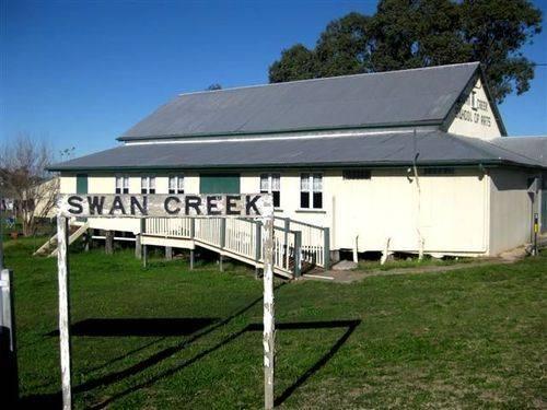 Swan Creek Railway Station Sign : 10-06-2009