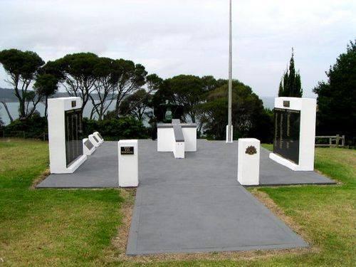 Eden War Memorial : 2007