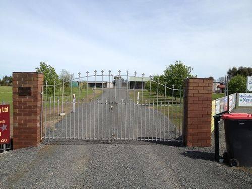 Elain Bicentennial Gates : 27-09-2013