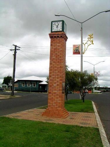 F F Mills Memorial Clock