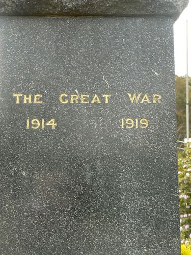 Geeveston Cenotaph   Right Side
