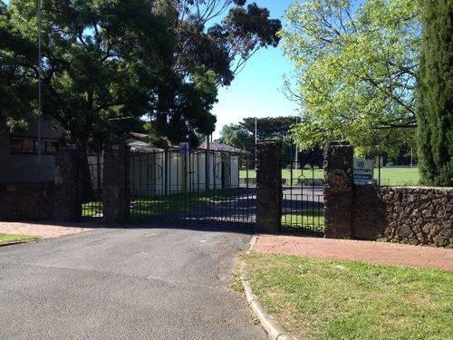 Gisborne Memorial Gates : November 2013