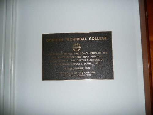 Gordon Centenary Year Plaque : December 2013