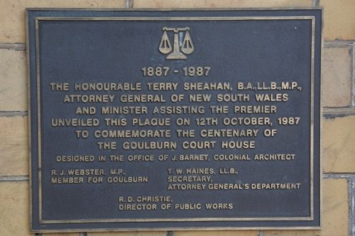 Court House centenary Plaque : June 2014
