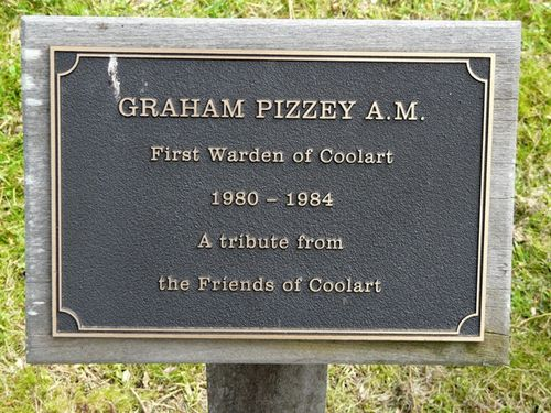 Graham Pizzey : 27-September-2011