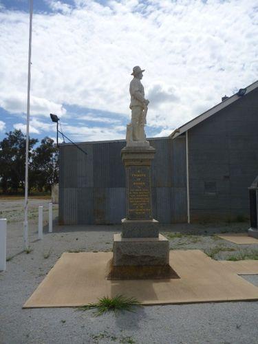 Junee Reefs War Memorial : 09-October-2012
