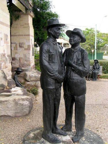 Kallangur Memorial Gate Sculptures
