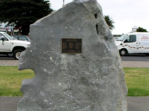Lakes Entrance War Memorial