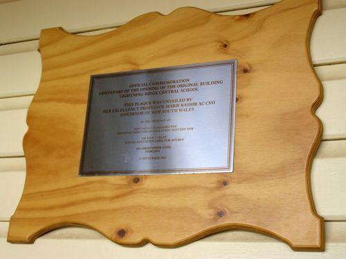 School Centenary Plaque : 04-August-2014