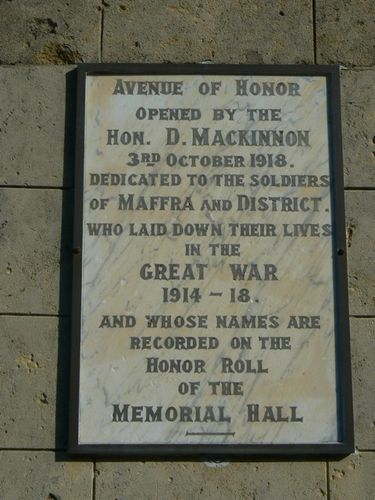 Maffra Avenue of Honour Plaque : 30-May-2010