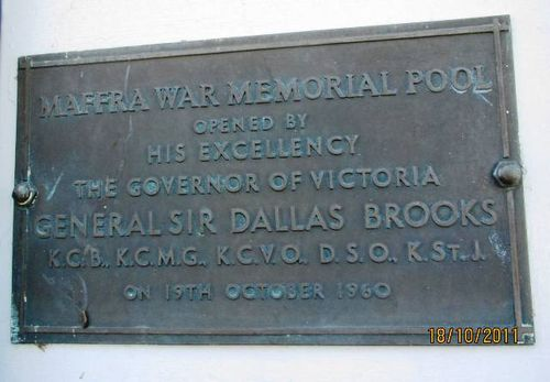 Maffra War Memorial Pool : 18-October-2011