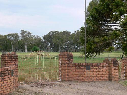 Memorial Gates : 28-October-2011