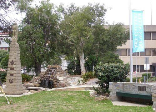 Memorial Grove : 26-02-2014