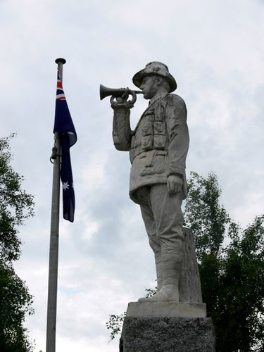 Mitcham War Memorial : 26-November-2011