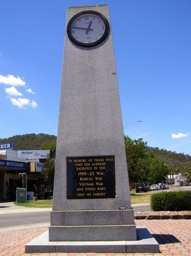 Myrtleford Memorial Clock : 16-December-2013