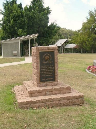 Nambour Remembers Cairn