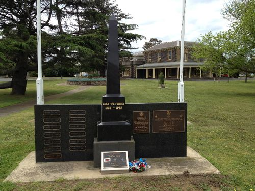 North Geelong War Memorial : October 2013