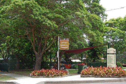 Oatley Memorial Gardens : April 2014