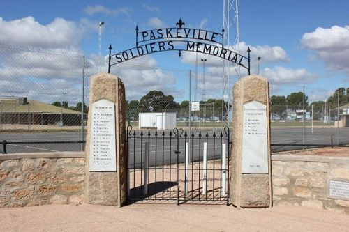 Paskeville Soldiers Memorial : 27-April-2011