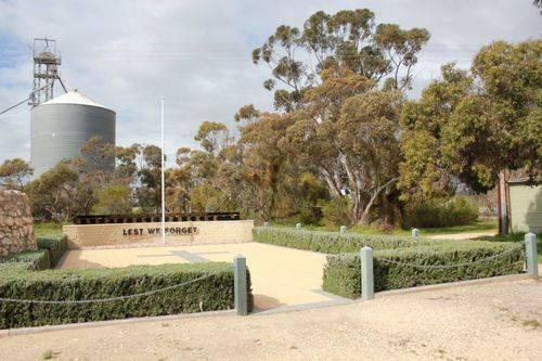 Peake War Memorial : 16-September-2012