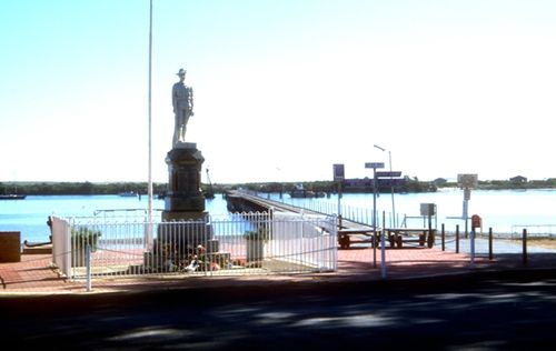 Port Broughton War Memorial : 27-January-2013