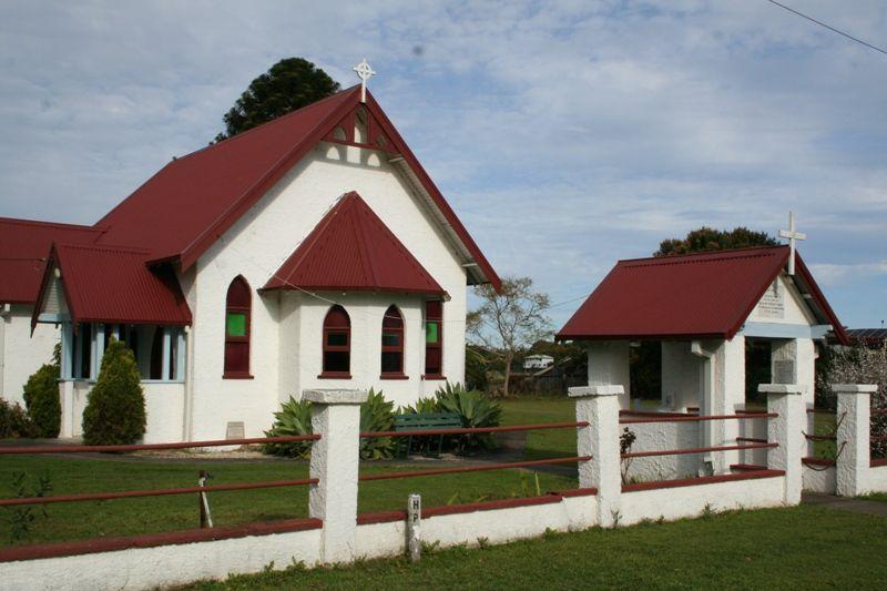 Church & Lychgate : 02-September-2015