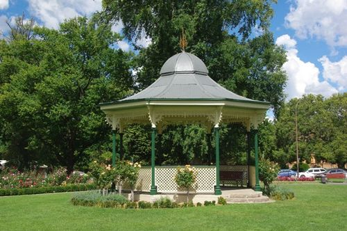 Queen Victoria Bandstand : June 2014