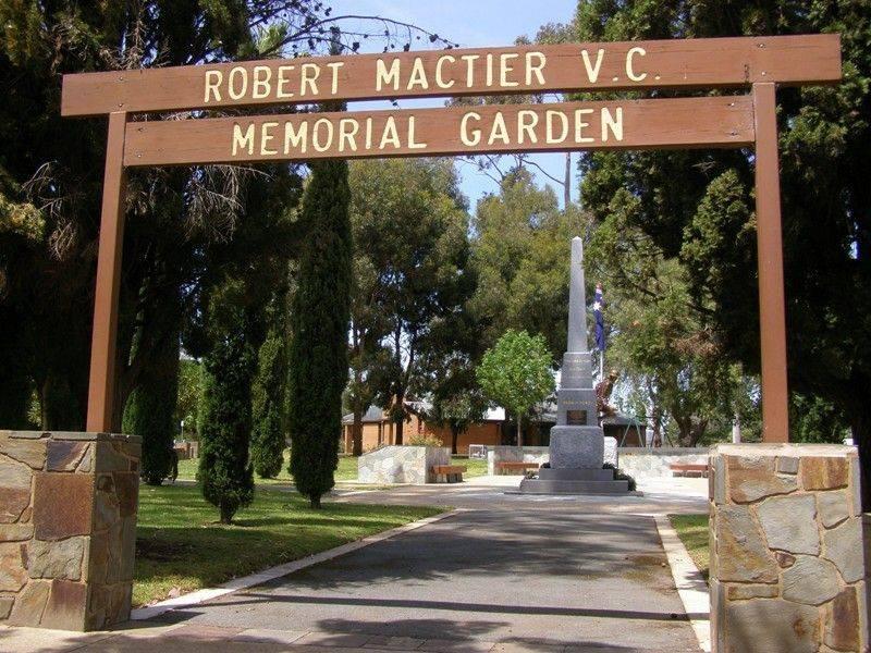Memorial Garden : 06-November-2014