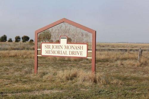 Sir John Monash Memorial Drive : 05-August-2011