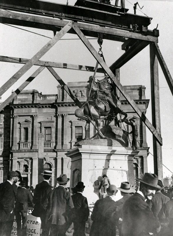 1904 : Monument construction : State Library of South Australia - B-62685