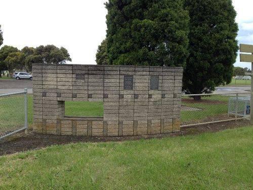South Barwon Reserve Memorial Wall: November 2013