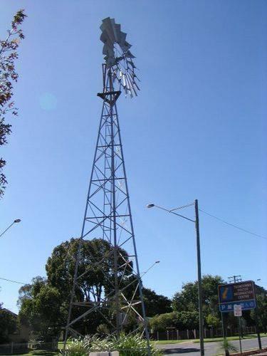 [Image: Southern_Cross_Windmill-5476-92766.jpg]
