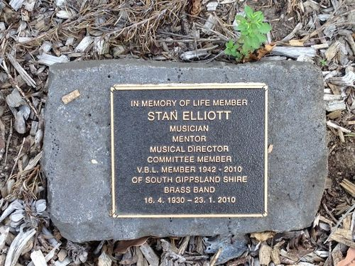 Stan Elliott Plaque : 3-4-2014