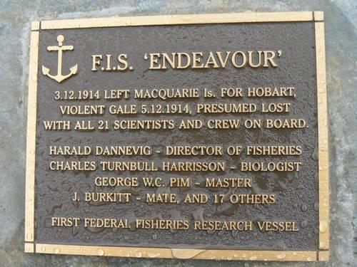 F.I.S. Endeavour Plaque : 2007