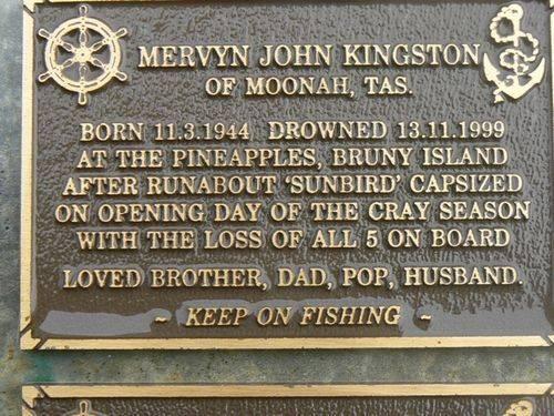 Mervyn John Kingston : 2007
