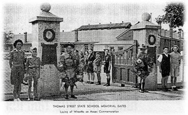 Thomas Street State School Memorial Gates