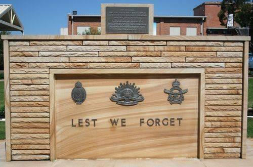 Toukley RSL War Memorial : 2-04-2014