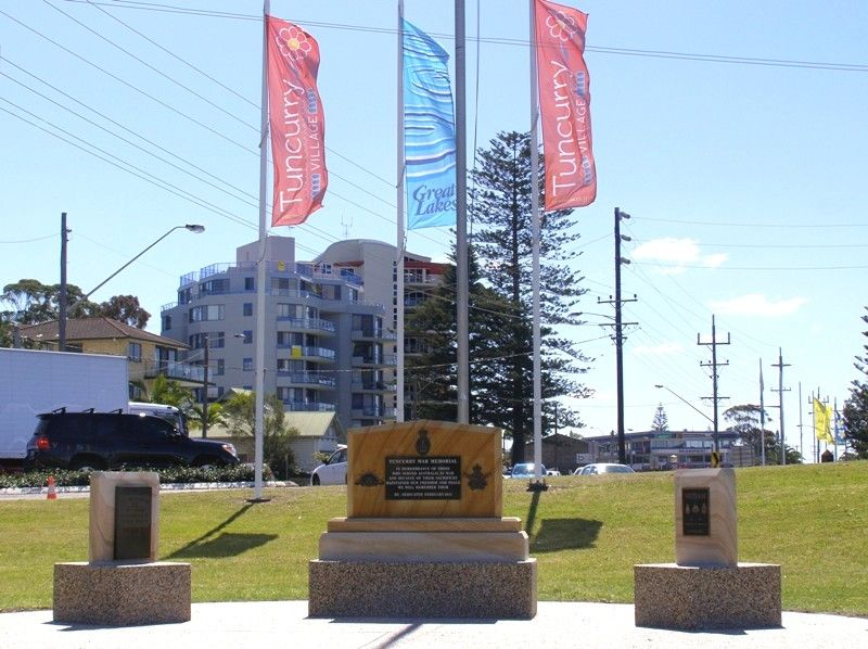 Tuncurry War Memorial : 17-September-2014